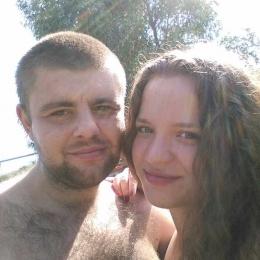 Молодая пара ищет девушку в Нижнем Новгороде для свиданий